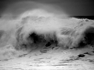 Heavy beachbreak, black and white