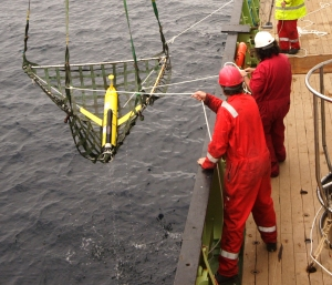 Turbulence glider being recovered onto the deck of RRS Discovery